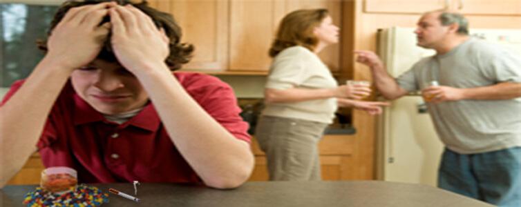 10 أخطاء تقع فيها الأسرة فى التعامل مع المدمن!
