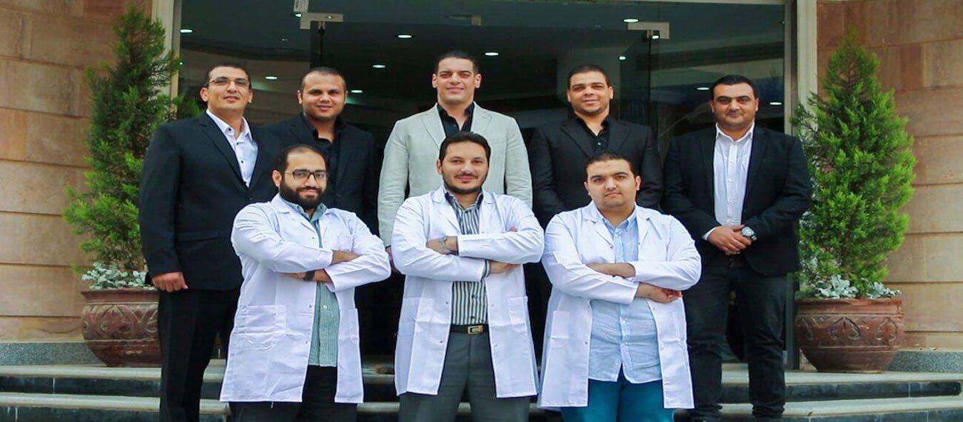 فريق من الاستشاريين، الأطباء، المعالجين، والمتخصصين يعملون على مساعدتك طوال تواجدك معنا..